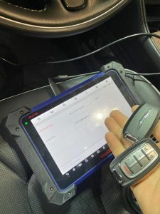 Coding a new Chrysler Pacifica keys by an automotive locksmith