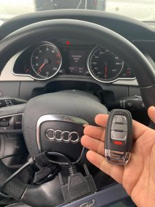 Automotive locksmith coding Audi car key (2021 key)