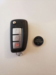 Transponder flip key (cwtwb1g767 ) and battery replacement - Nissan (CR-2032)