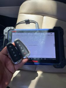 Remote key fob for a Lincoln MKS