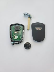 Cadillac key fob - Inside look and battery