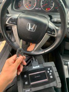 Automotive Locksmith Coding a Honda Clarity Key
