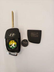 Inside look of Hyundai Sonata flip key