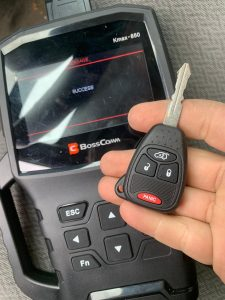 Jeep Wrangler Car Keys Replacement - On Site Program by Automotive Locksmith
