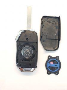 Inside look of Kia Forte flip key