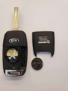 Flip key battery replacement - Kia