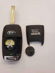 Flip key battery replacement - Kia