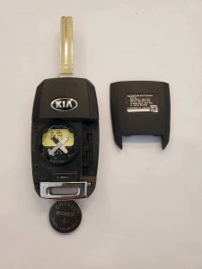 Inside look of Kia Rio flip key