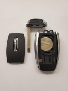 Lincoln key fob battery replacement - Inside look