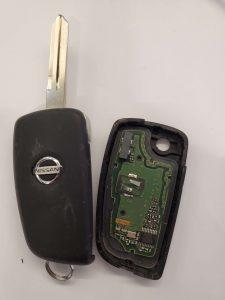 Inside look of Nissan transponder key