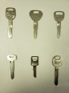 Non transponder car keys
