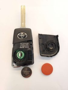 2021 Toyota transponder chip car key replacement - (HYQ12BFB) - Inside look