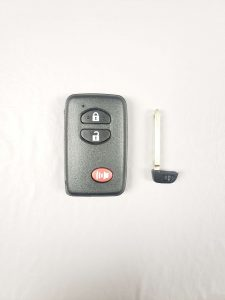2008, 2009, 2010, 2011, 2012, 2013 Toyota Highlander Hybrid Remote Key Replacement (89904-48100 or 89904-48110)