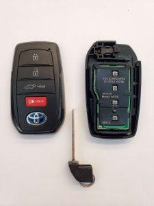 How the Key Fob Looks Inside and Emergency Key (HYQ14FBX)