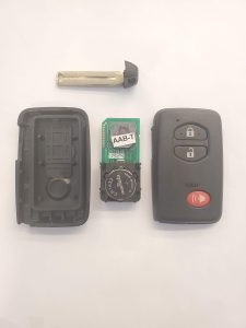 Toyota remote key fob replacement - Inside look