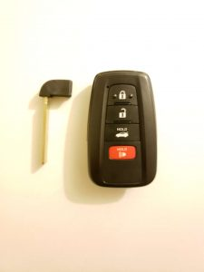 Key fob and emergency key - Toyota (HYQ14FBN or 8990H-02030)