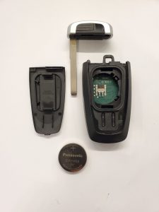 How the Key Fob Looks Inside, Battery and Emergency Key