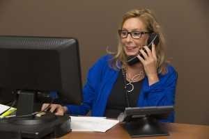 secretary-at-lost-car-keys-replacement